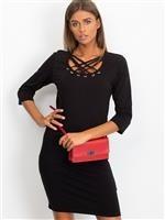 0335f7bde5 Czerwona dopasowana sukienka bawełniana z ozdobnym dekoltem ...